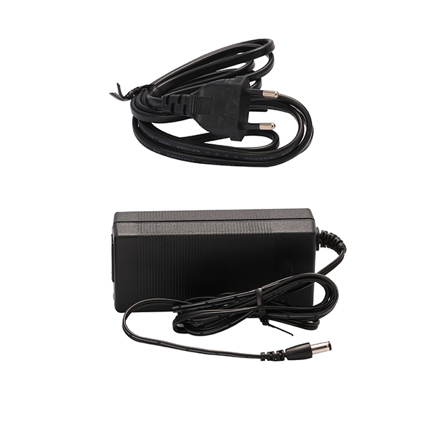 Lichtschiene LUXI LINK 36W Netzteil 50x100x30mm mit Anschlusskabel